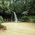 Rd_salto_de_agua_en_medio_de_la_selva